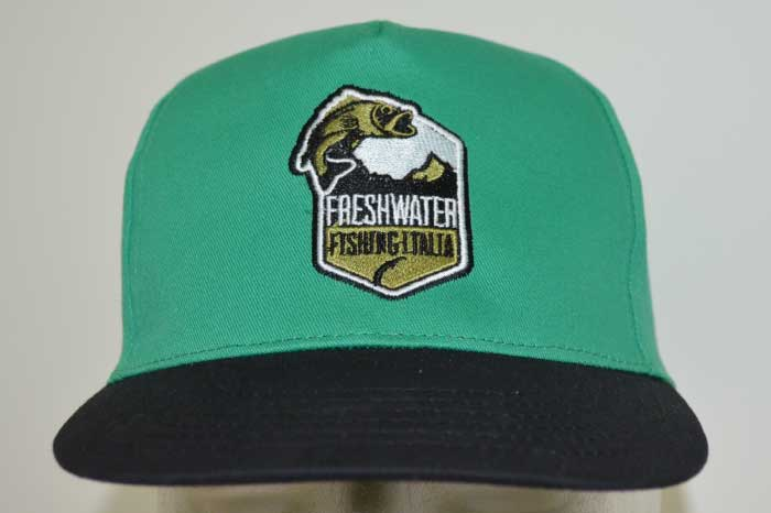 Cappellini personalizzati con ricamo 8e435d59e864
